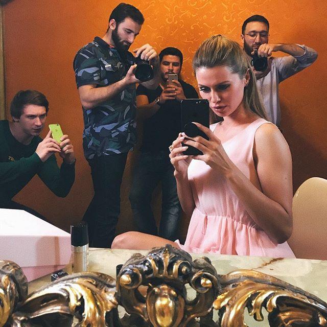 Слегка набрала вес: поклонники обсуждают поправившуюся Викторию Боне