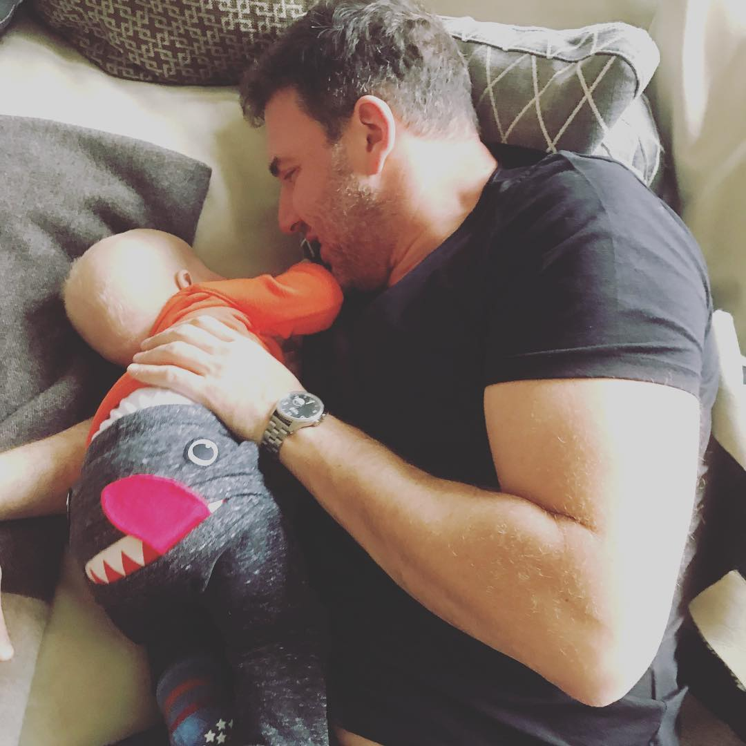 Как повеселить ребенка: Ксения Собчак поделилась забавным видео с супругом и сыном