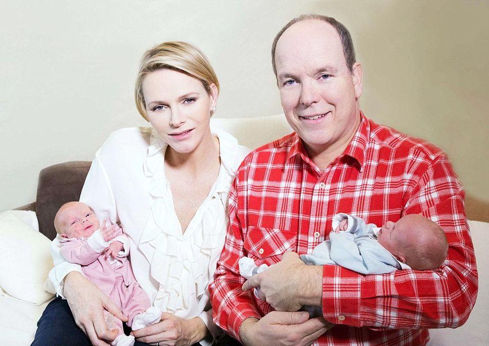 Принц Альберт и его супруга Шарлен показали новорожденных двойняшек