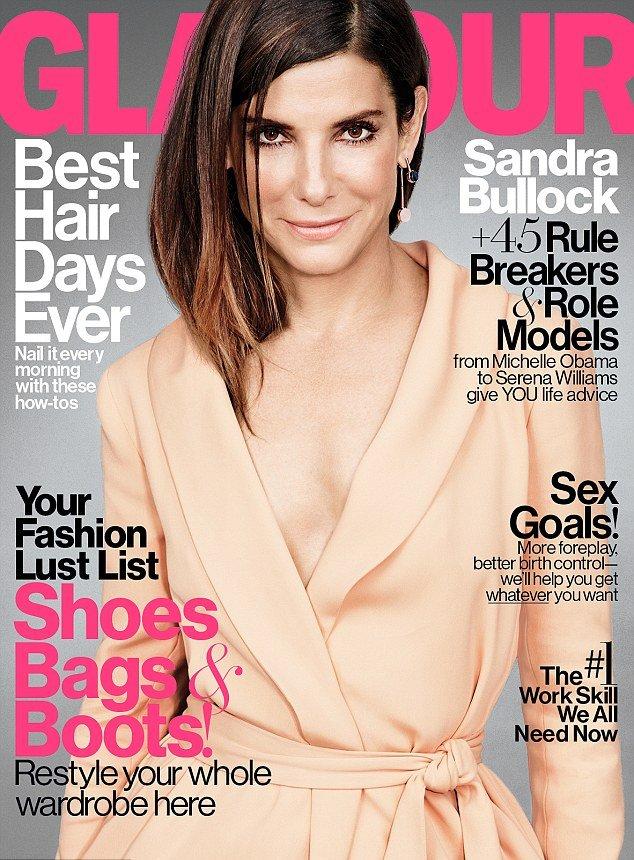 Идеальна во всем: Сандра Баллок блистает на обложке Glamour