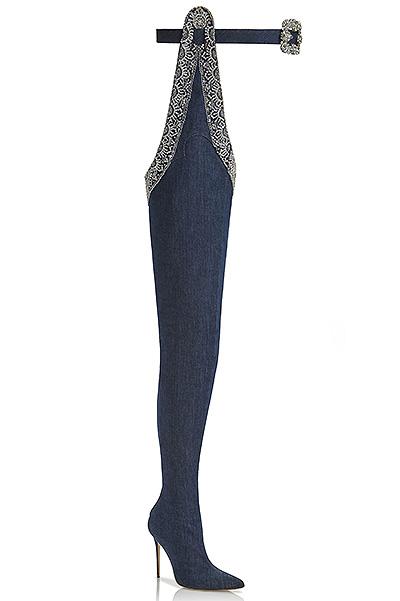 Держитесь, модницы: Рианна выпустила собственную коллекцию туфель