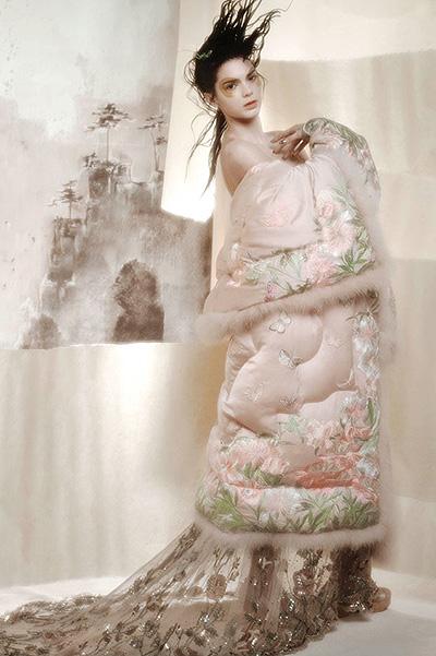 Современная гейша: Кендалл Дженнер блистает в новой фотосесси Карла Лагерфельда