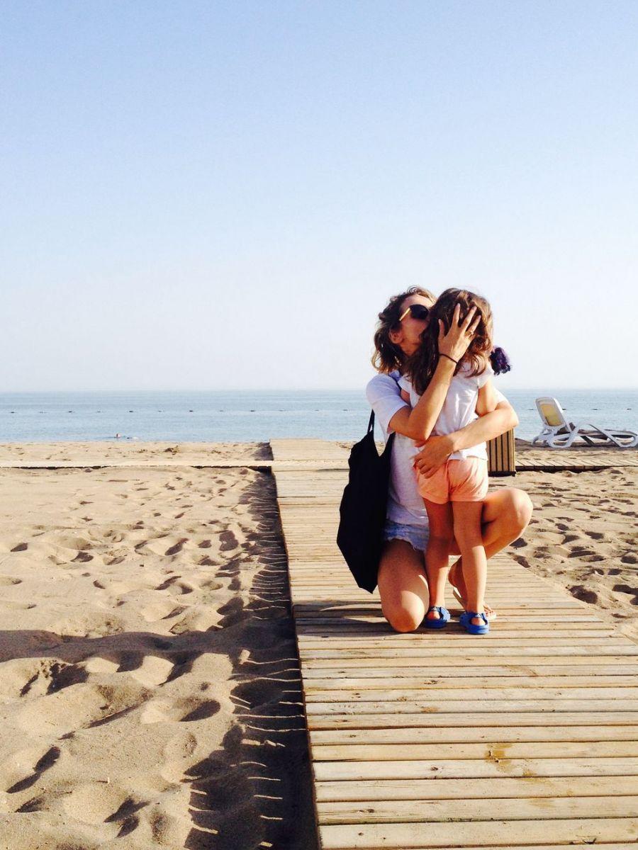 Loboda с дочерью Евой на отдыхе в Испании