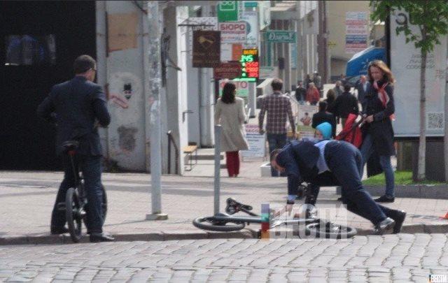Виталий Кличко упал со своего дорого велосипеда