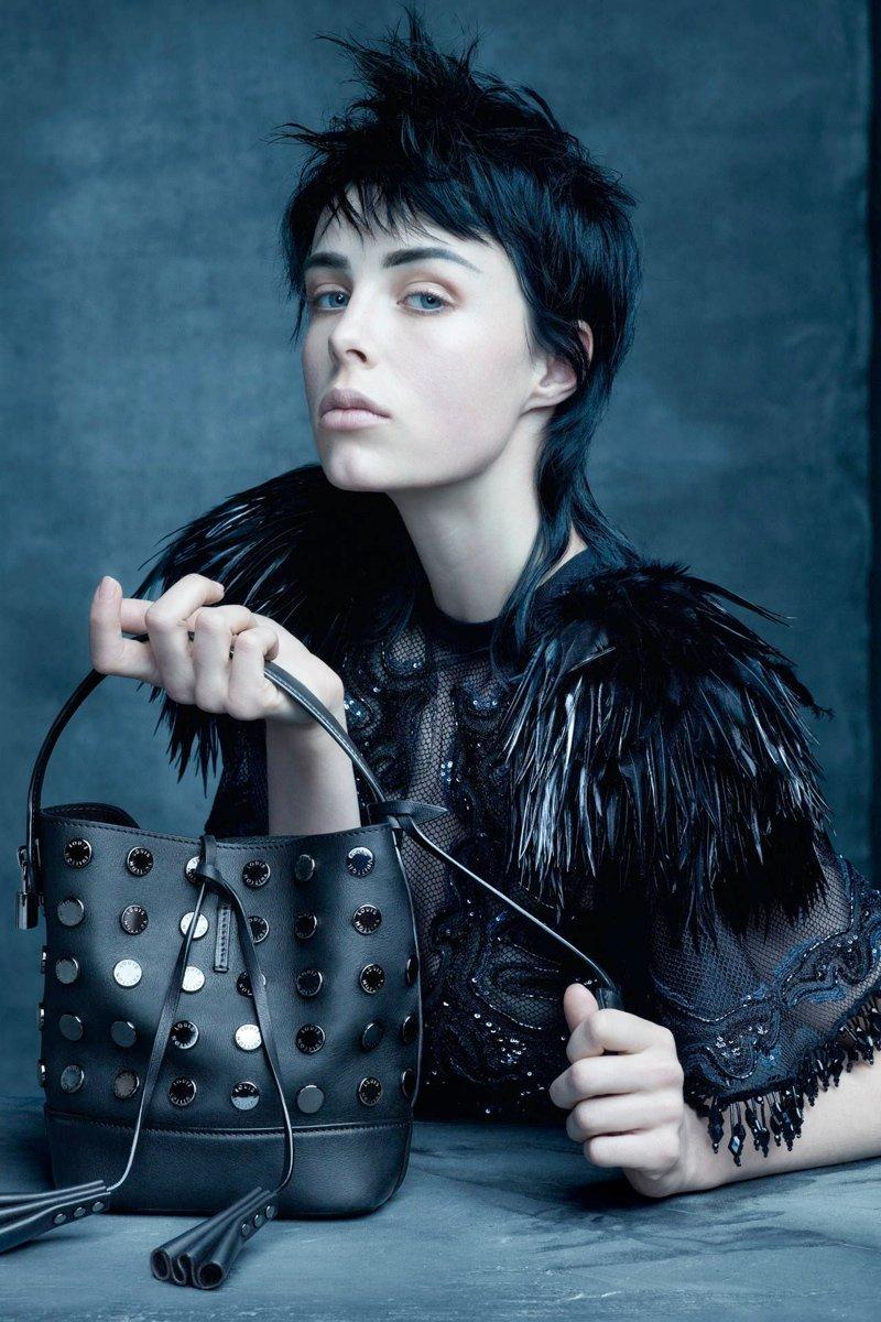 Louis Vuitton фото