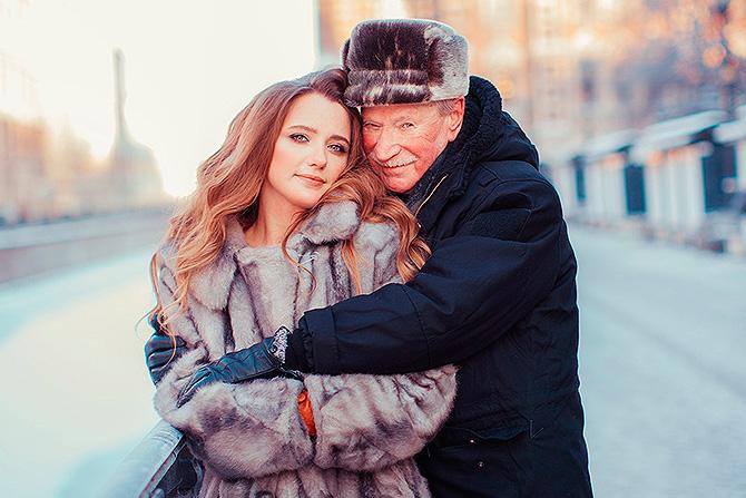85-летний Иван Краско снялся в романтической фотосессии со своей молоденькой женой