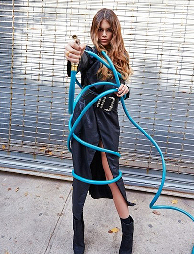 Модный дебют: дочь Синди Кроуфорд снялась в своей первой рекламной кампании