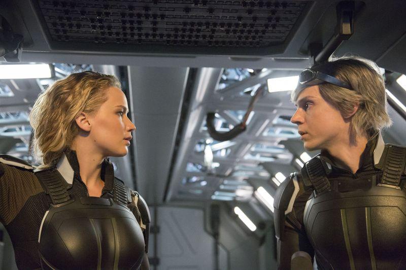 """Красотки Дженнифер Лоуренс и Софи Тернер на премьере """"Люди Икс: Апокалипсис"""""""
