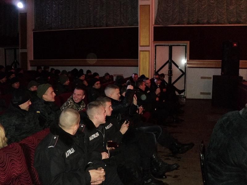 Украинские звезды отдали свои вышиванки ради солдат в зоне АТО
