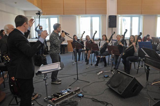 Оркестр Олега Скрипки устроит в Киеве битву с белорусами