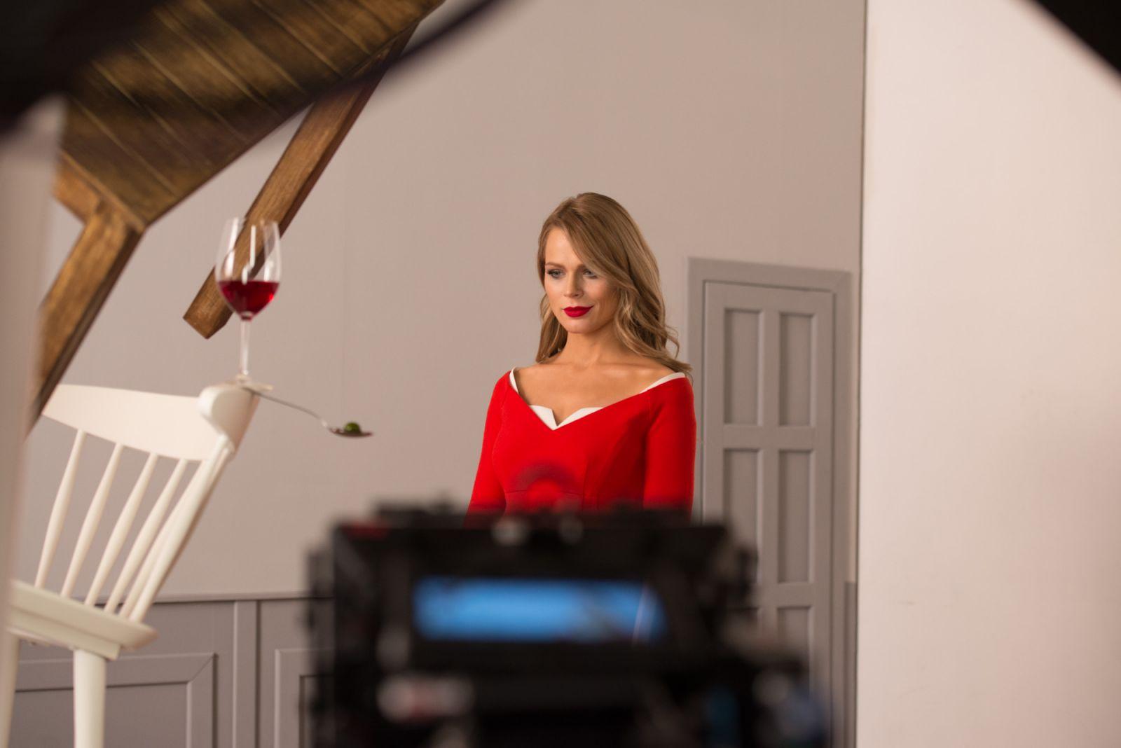 Беременная Ольга Фреймут показала животик на сьемках нового реалити-шоу