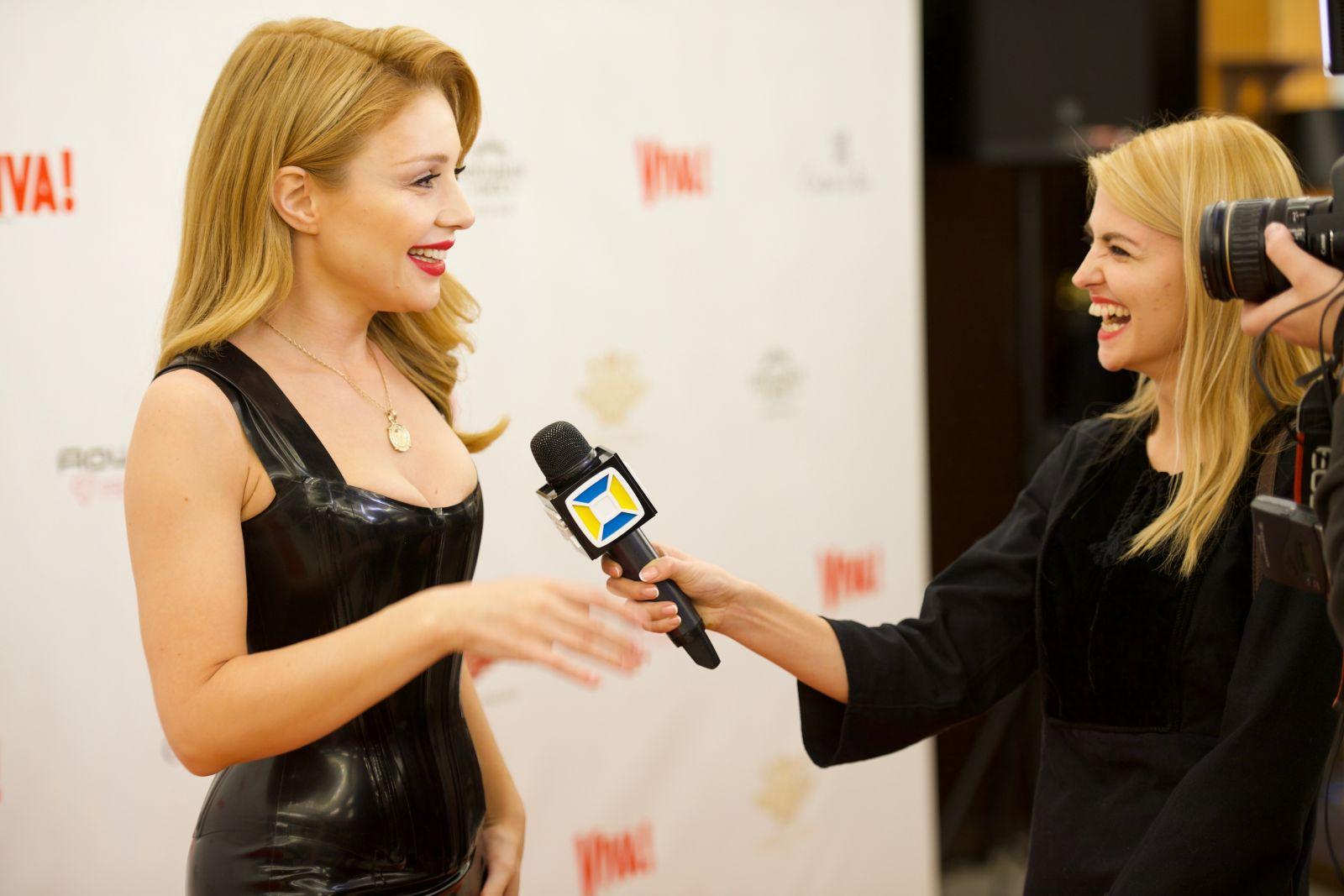Видео: Тина Кароль поздравляет Viva! с 13-летием