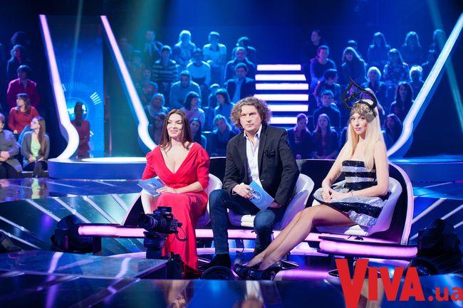Кузьма Скрябин на съемочной площадке Співай як зірка с Надеждой Мейхер и Олей Поляковой
