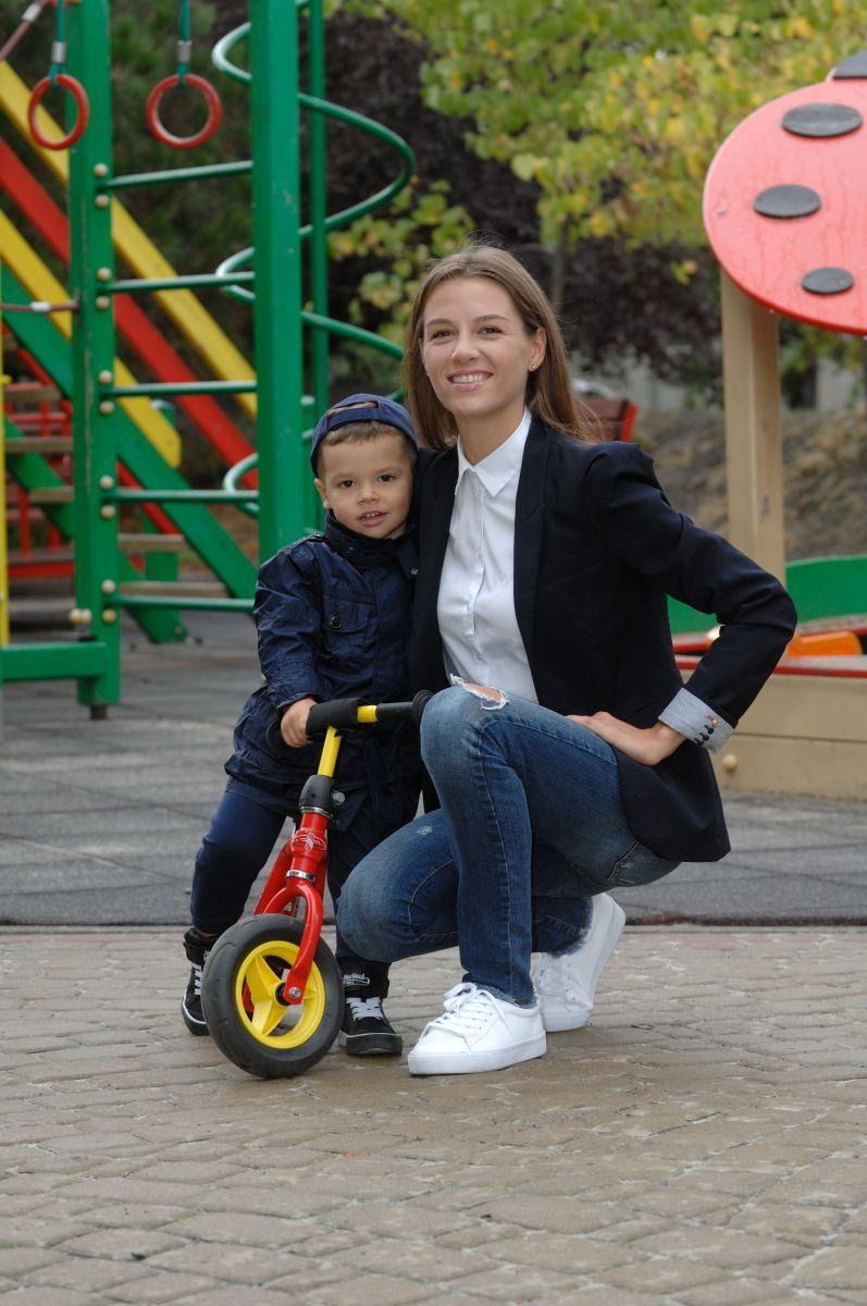 жена телеведущего Григория Решетника – Кристина с сыном Ваней