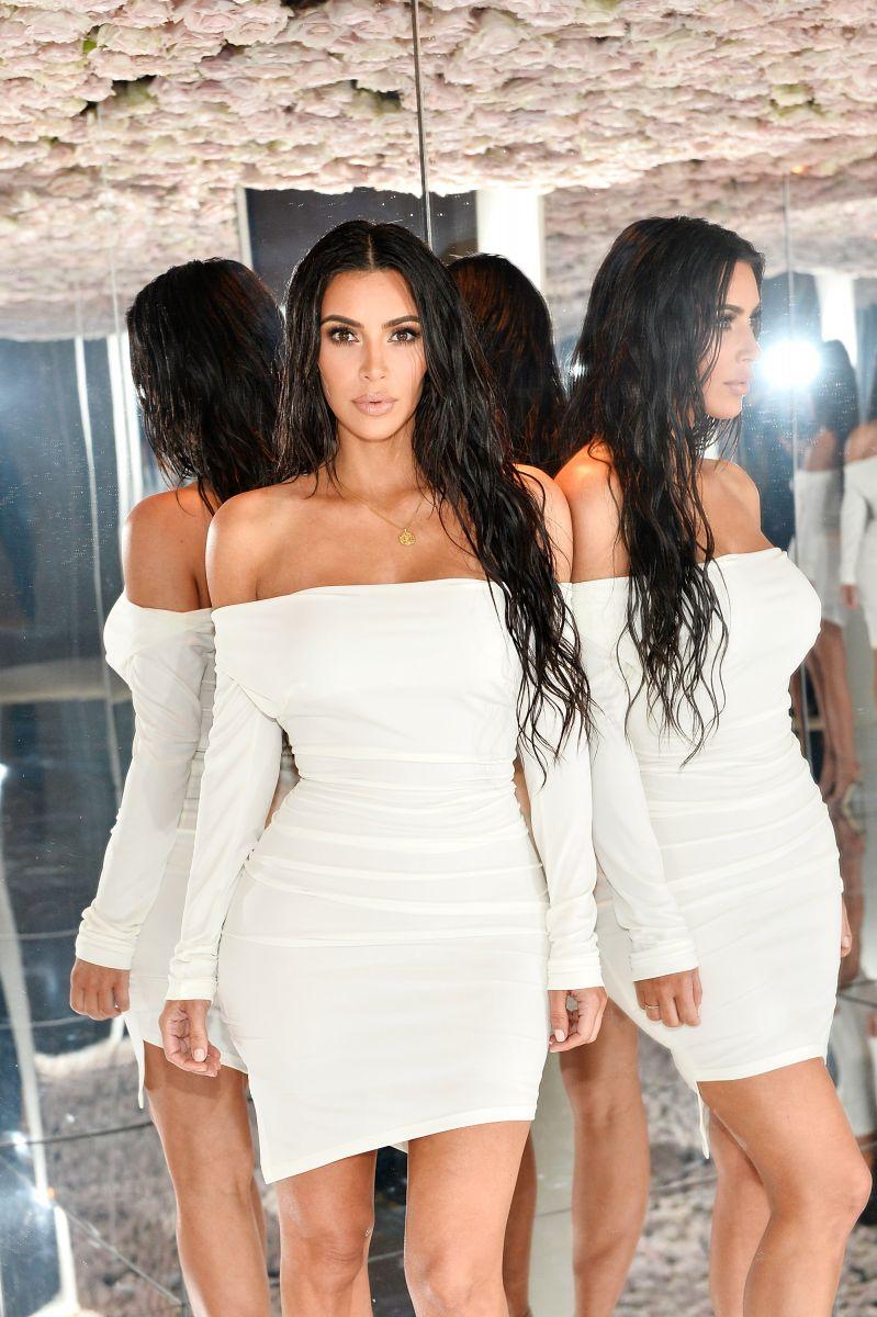 Ани Лорак повторила сексуальный образ Ким Кардашьян