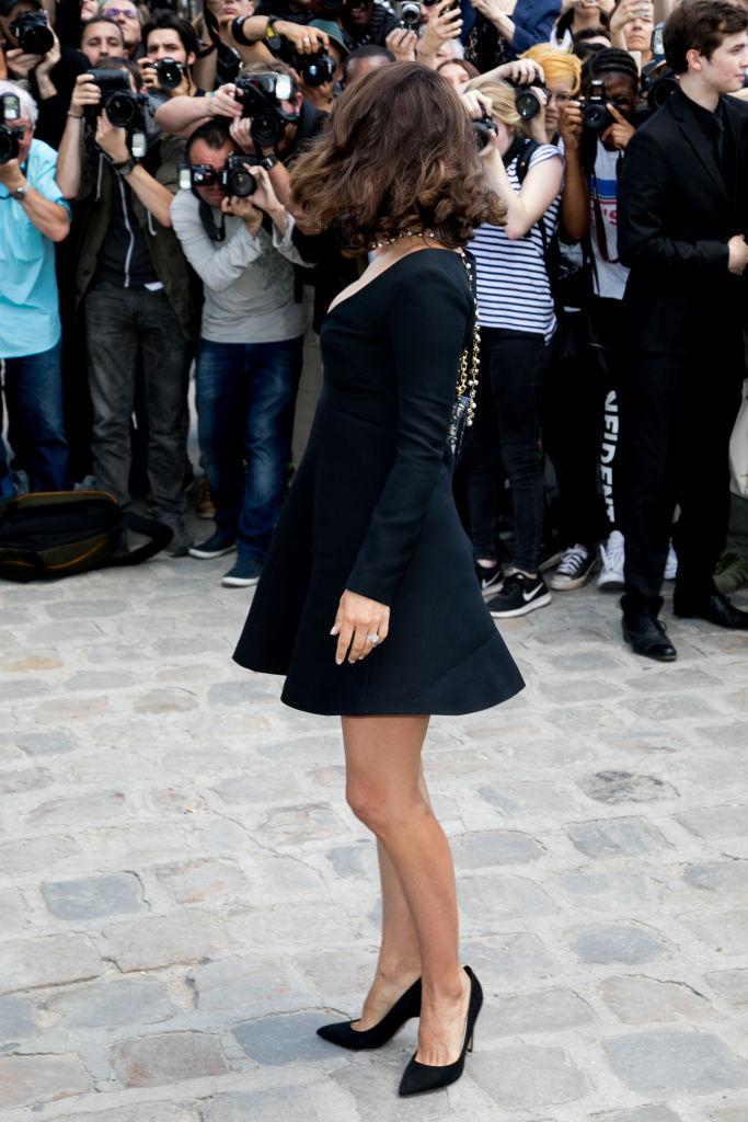 Словно девочка: Натали Портман восхитила фигурой после родов в миниатюрном платье