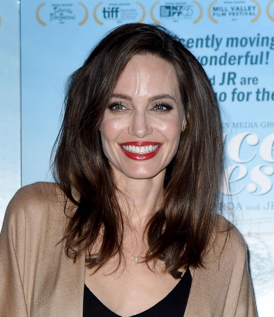 Анджелина Джоли выходит замуж за британского бизнесмена - СМИ