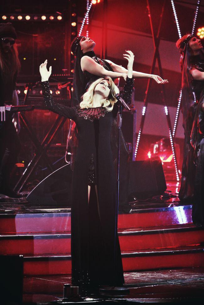 Светлана Лобода сыграла на рояле песню Не нужна