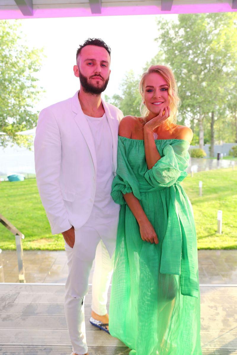 50 оттенков зеленого: звезды в зеленых нарядах на вечеринке Viva!