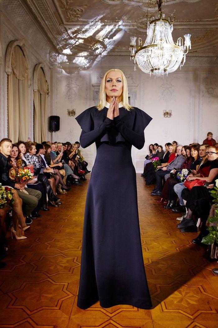 Ольга Сумская и Светлана Вольнова примерили сексуальные платья