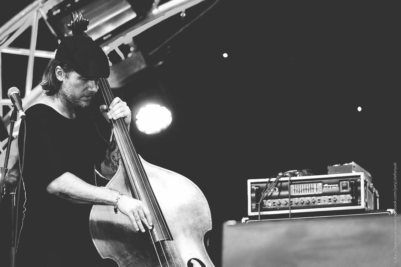 Бас-гитарист Океан Ельзи сыграет джазовый концерт
