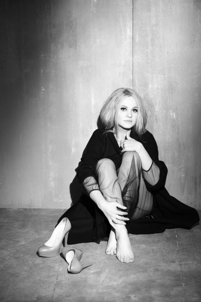Наталию Бучинскую не узнать: чувственная фотосессия к 20-летнему юбилею в шоу-бизнесе