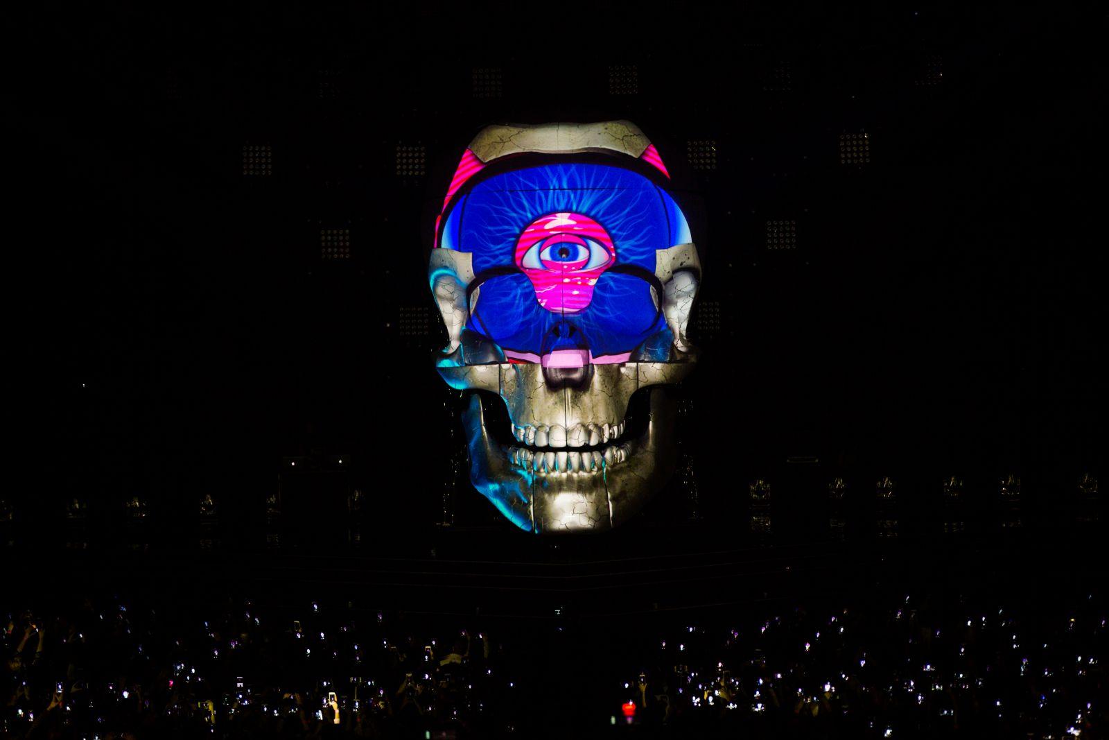 Макс Барских потратил 40 тысяч долларов на череп для концерта