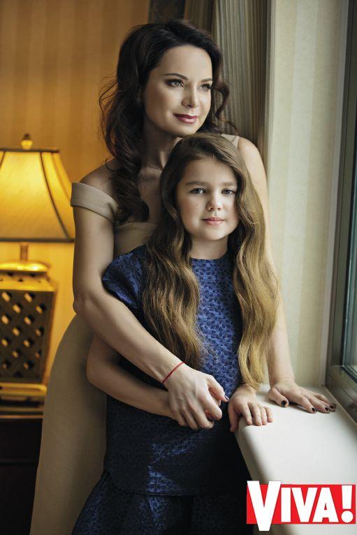 Лилия Подкопаева поделилась редким фото повзрослевшей дочери Каролины