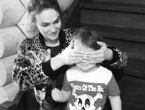 Алена Водонаева впервые показала сына
