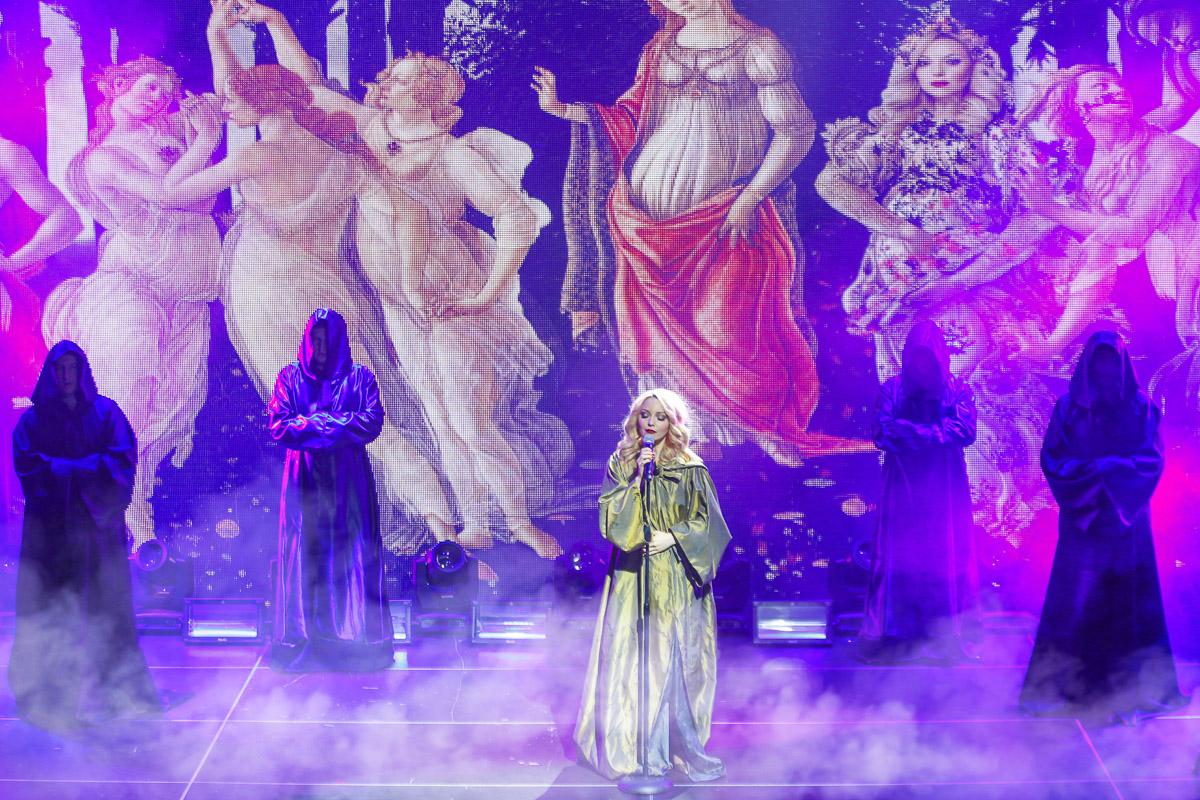 Арина Домски успешно выступает перед китайской публикой
