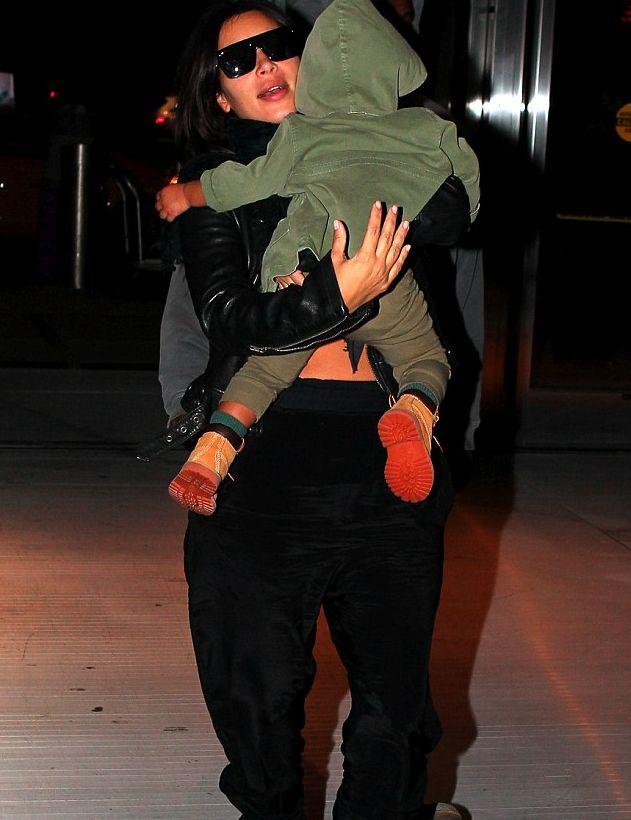 Ким Кардашьян не может оторваться от любимой дочурки