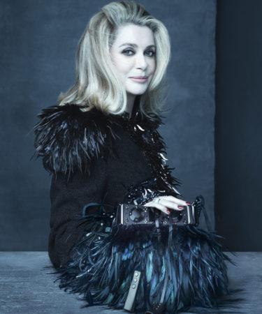 73-летняя Катрин Денев восхищает красотой в рекламной кампании Louis Vuitton