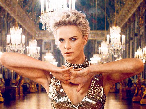 Шарлиз Терон блистает в рекламе J'adore Dior