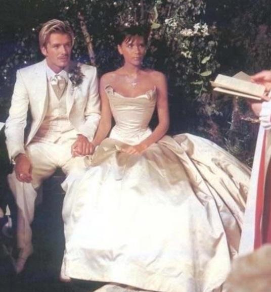 Виктория и Дэвид Бекхэм поздравили друг друга с годовщиной свадьбы