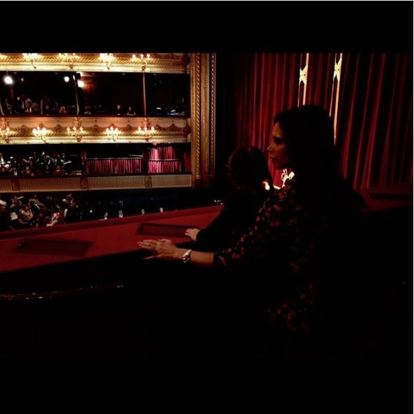 Искусство с пеленок: Виктория Бекхэм с маленькой дочерью сходили на балет