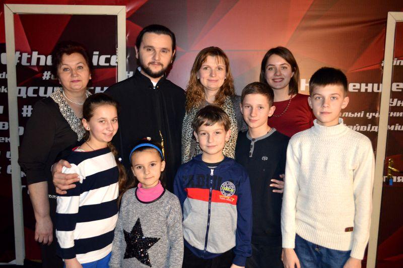 """Дочь священника из шоу """"Голос країни-7"""" пришла на кастинг """"Голос. Діти-4"""""""