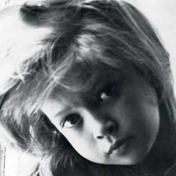 фото веры брежневой детские