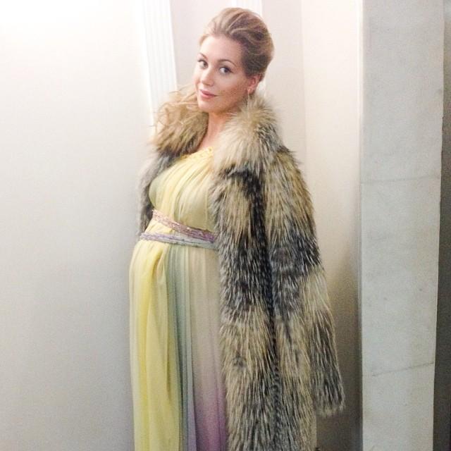 Кристина Асмус беременная фото