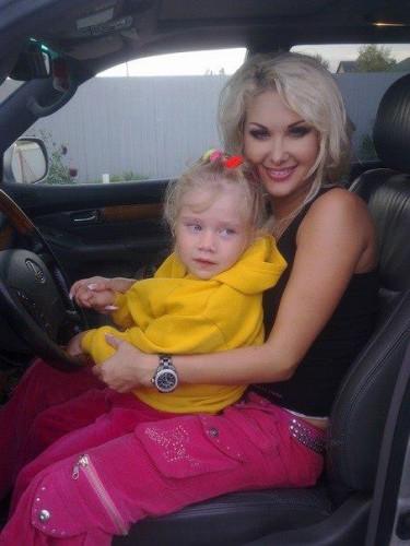 Катя Бужинская с дочерью фото