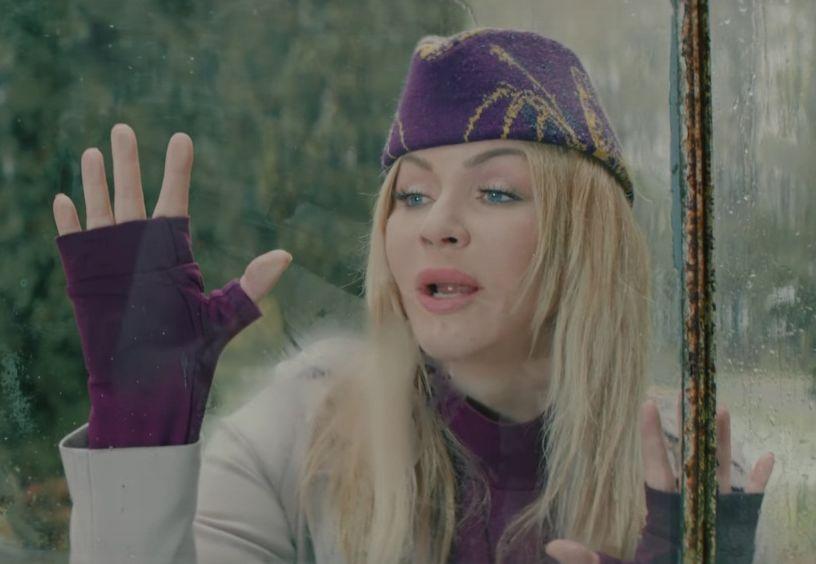 Похудела и помолодела: Ирину Билык не узнать в новом клипе