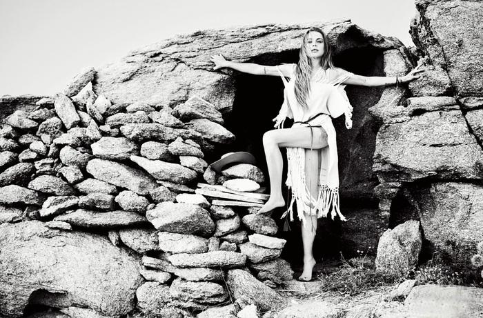 Линдсей Лохан в соблазнительном бикини позирует для модного глянца
