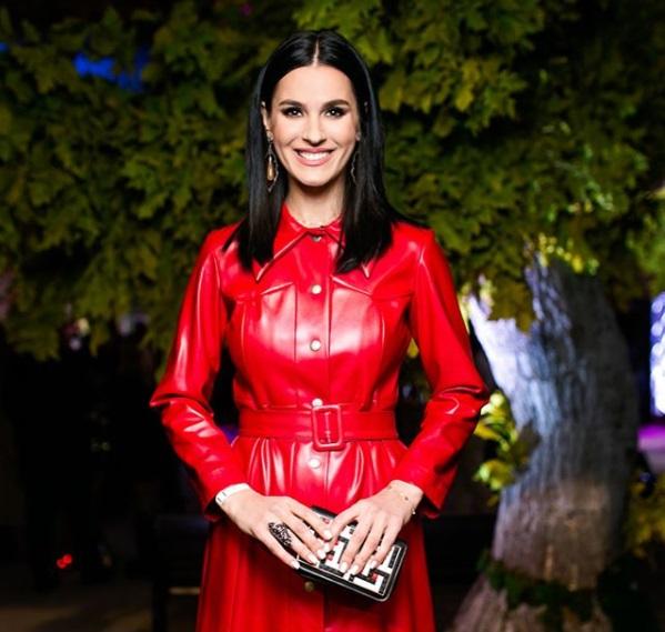 Смело: Маша Ефросинина вышла в свет в красном кожаном наряде