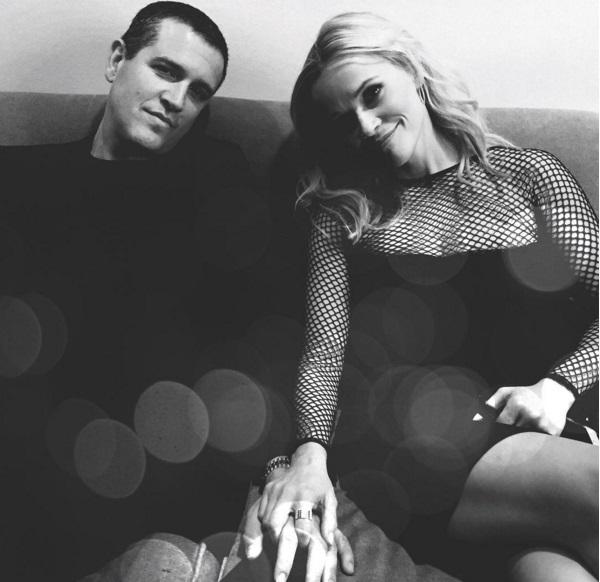 Это любовь: Риз Уизерспун поделилась романтичным фото с супругом
