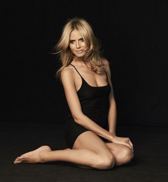 Heidi Klum Flaunts Naked Body For Sharper Image Holiday