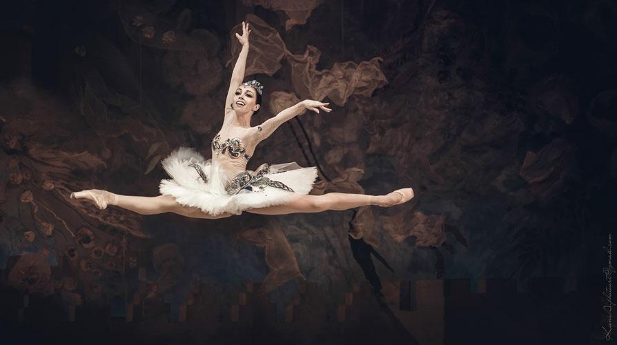 Екатерина Кухар и Александр Стоянов впервые исполнят главные партии в балете Раймонда