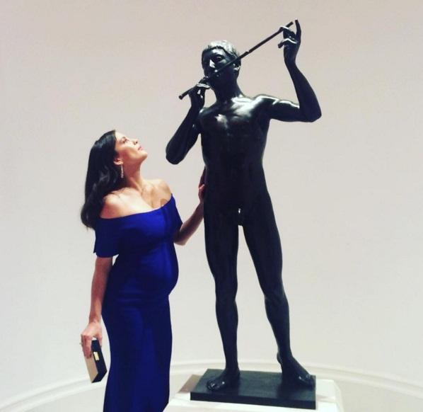Беременна и счастлива: Лив Тайлер впервые показала округлившийся живот