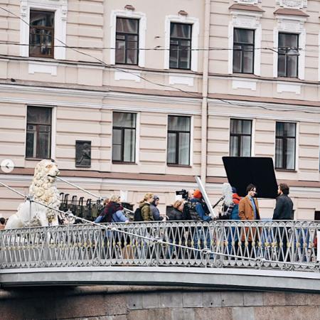 Поклонники в восторге: Киану Ривз на съемках в Санкт-Петербурге