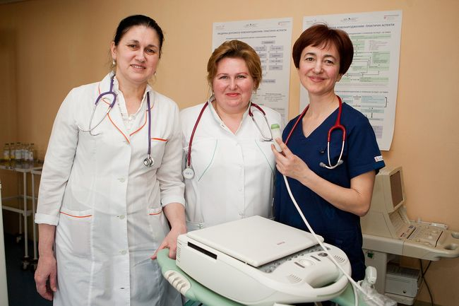 Ведущие 1+1 собрали 185 тыс. грн для больницы Охматдет и купили аппарат, который спасает жизни младенцев