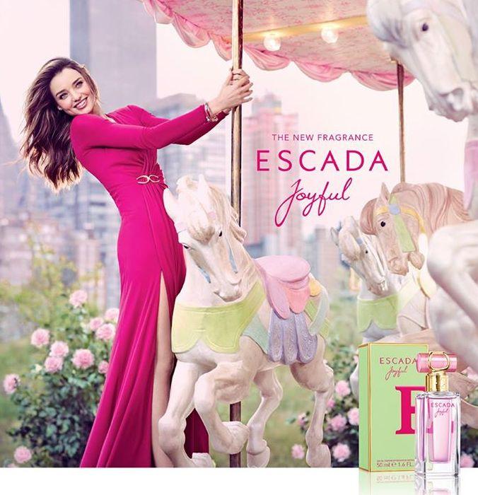 Миранда Керр сияет в романтичной рекламе Escada