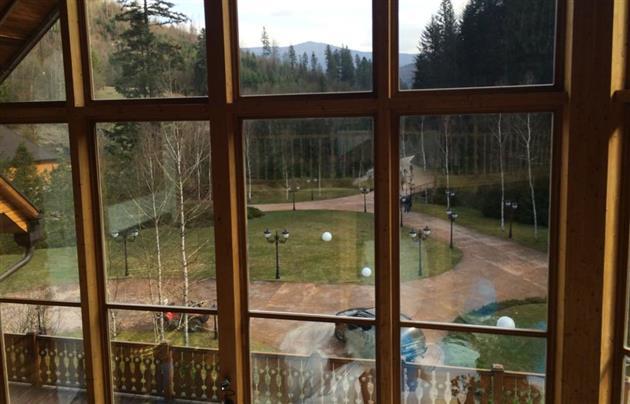 оксана марченко виктор медведчук дача дом закарпатье фото